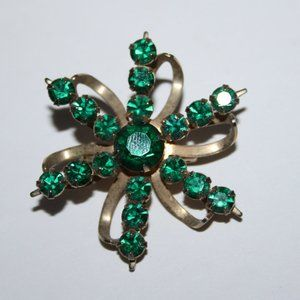 Vintage gold and emerald rhinestone flower brooch